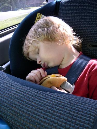 Estate giochi bambini viaggio auto treno | Genitorialmente