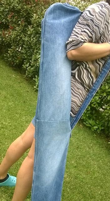 Come fare un porta ombrellone con vecchi jeans